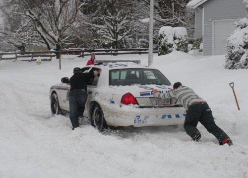 snow_police1